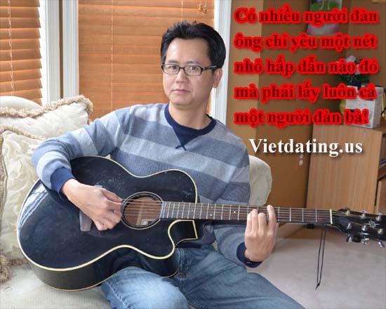 Viet Kieu choi dan Guitar