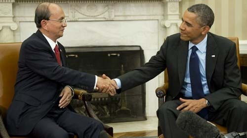 Tong thong Thein Sein bat tay Obama