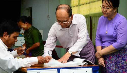 Tong thong Thein Sein trong cuoc bau cu