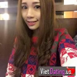 Annalee2222, Vietnam